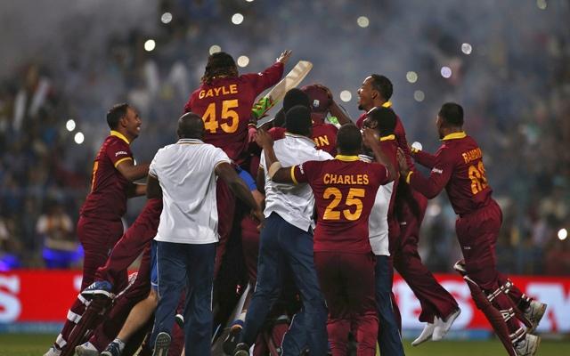 শ্বাসরুদ্ধকর ম্যাচে শেষ ওভারে চার বলে চার ছক্কা, T20 বিশ্বকাপ ওয়েস্ট ইন্ডিজের ঘরে ।।