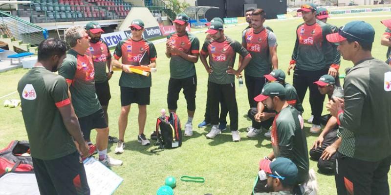 সফল ওয়েস্ট ইন্ডিজ সফর শেষে দেশে ফিরেছে বাংলাদেশ ক্রিকেট দল