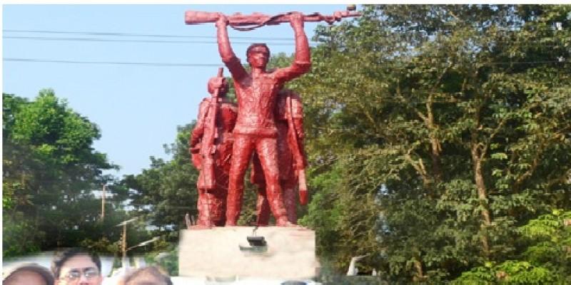 প্রতিষ্ঠার পর এই প্রথম চট্টগ্রাম বিশ্ববিদ্যালয়ে মুক্তিযোদ্ধা ভাস্কর্য 'জয় বাংলা' স্থাপন