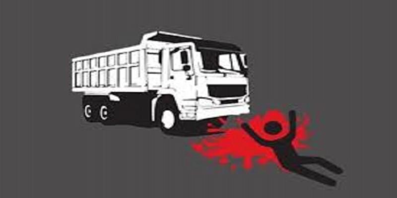 খুলনার দাকোপের উপজেলা শিক্ষা অফিসার ট্রাকচাপায় নিহত