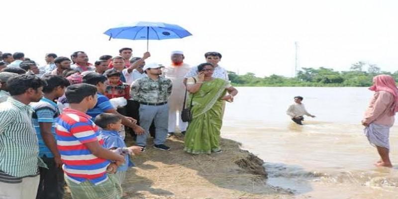 সুনামগঞ্জে ৬টি উপজেলায় বাঁধ ভেঙে হাওরে পানি ঢুকছে
