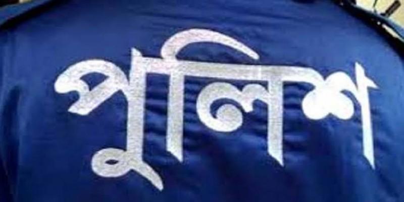 কিশোগঞ্জে হ্যান্ডকাপসহ আসামী পালানোয় ৫ পুলিশ সাময়িক বরখাস্ত॥