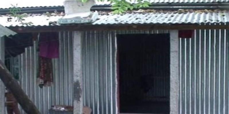 বিনামূল্যের ঘরের জন্য কিশোরগঞ্জে ১০-২০ হাজার টাকা নিয়েছেন ইউপি চেয়ারম্যান॥