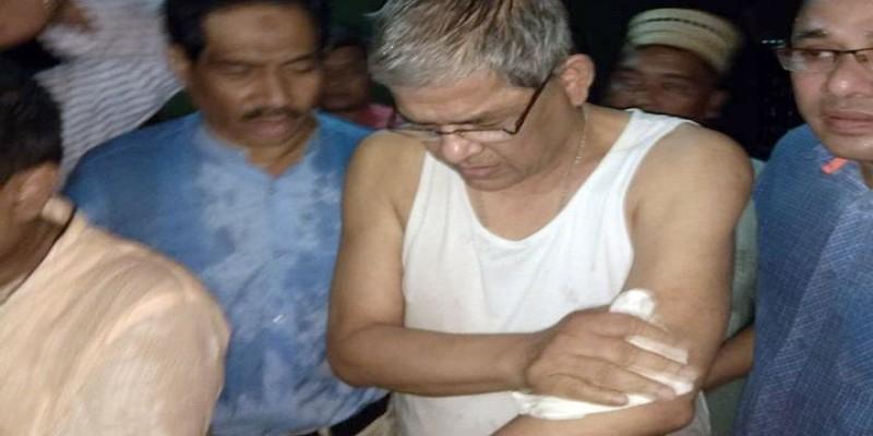 রংপুরের নির্বাচনী প্রচারণায় ভ্যান থেকে পড়ে মির্জা ফখরুল আহত