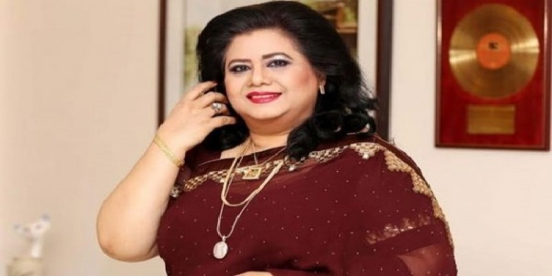 হোম কোয়ারেন্টাইনে জনপ্রিয় সঙ্গিতশিল্পী রুনা লায়লা॥